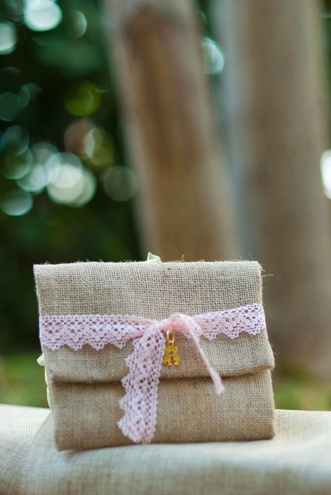 burlap-lace-and-charm
