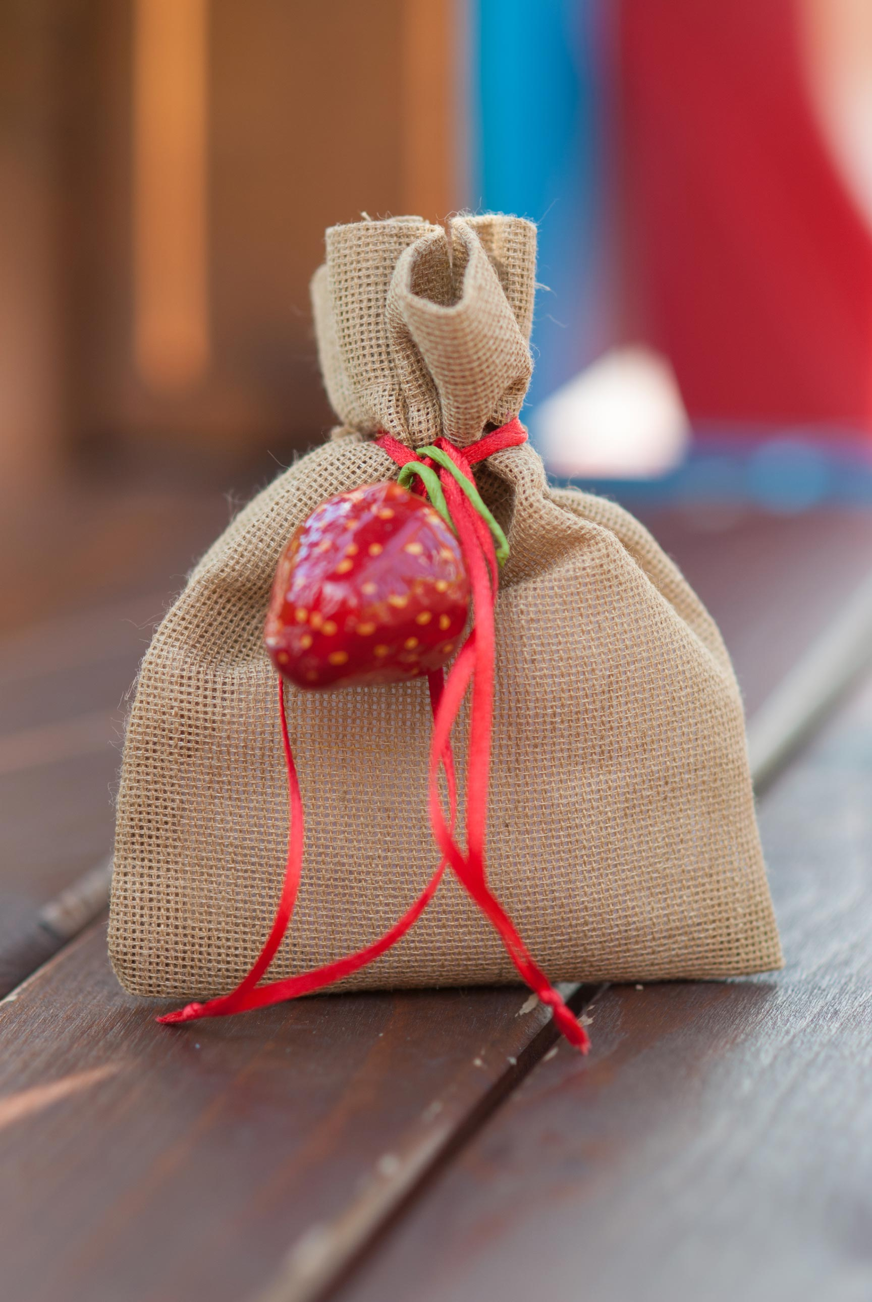 strawberry-pouch